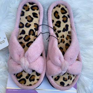 Goldtoe Women's slippers pink leopard 6/7